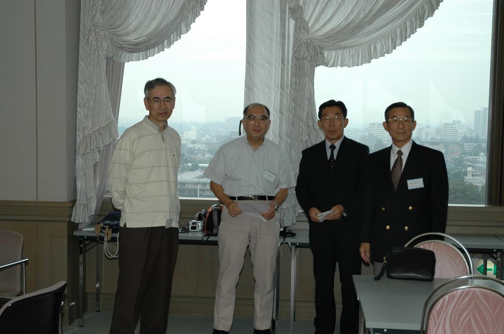 豊田先生を囲む会2005 1